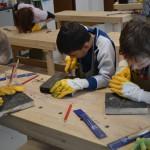 Práce žáků v dřevodílně